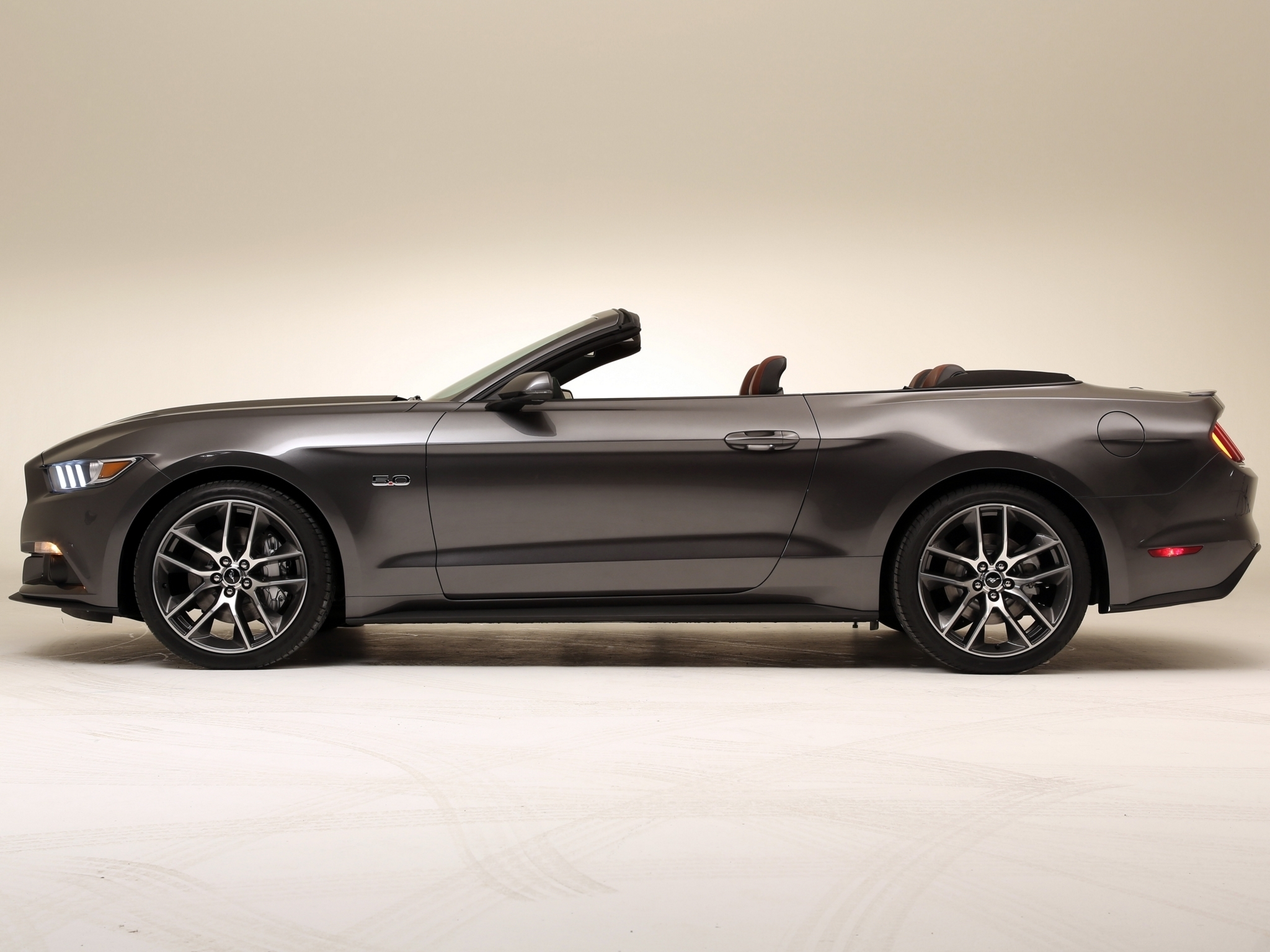 ford mustang convertible 2015 precios motores equipamientos. Black Bedroom Furniture Sets. Home Design Ideas