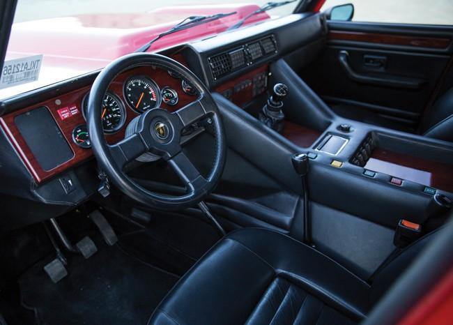 Lamborghini-LM002-13