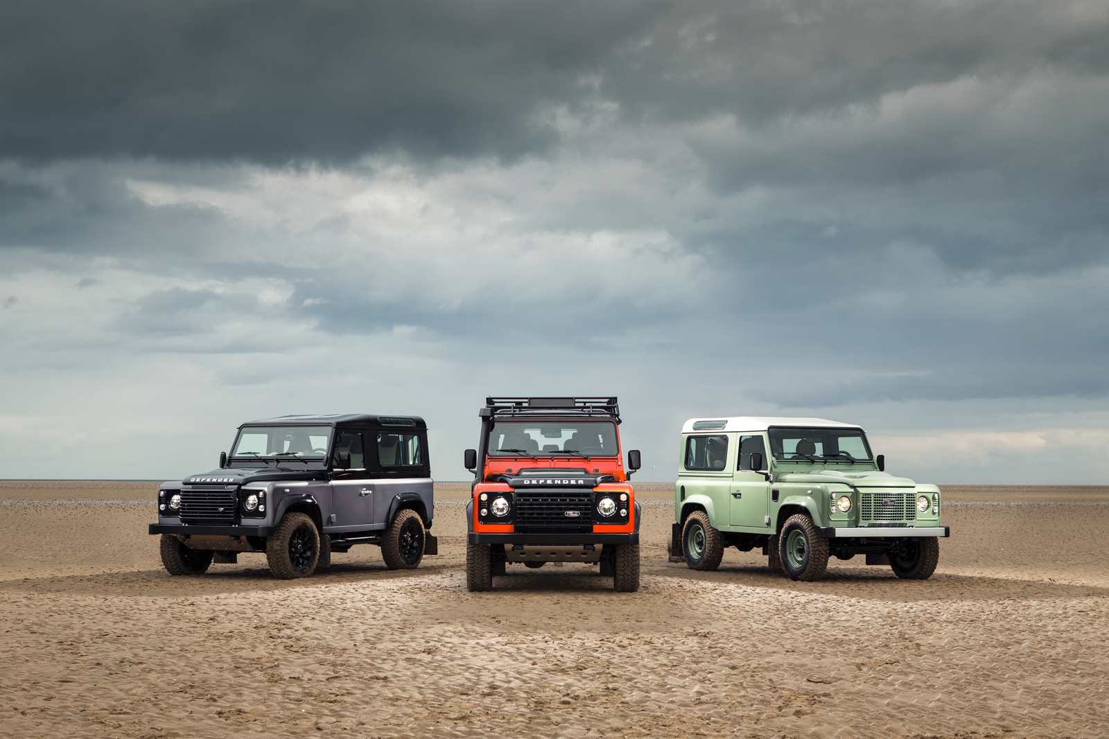 Land Rover Defender Heritage Adventure y Autobiopgraphy 2015 04