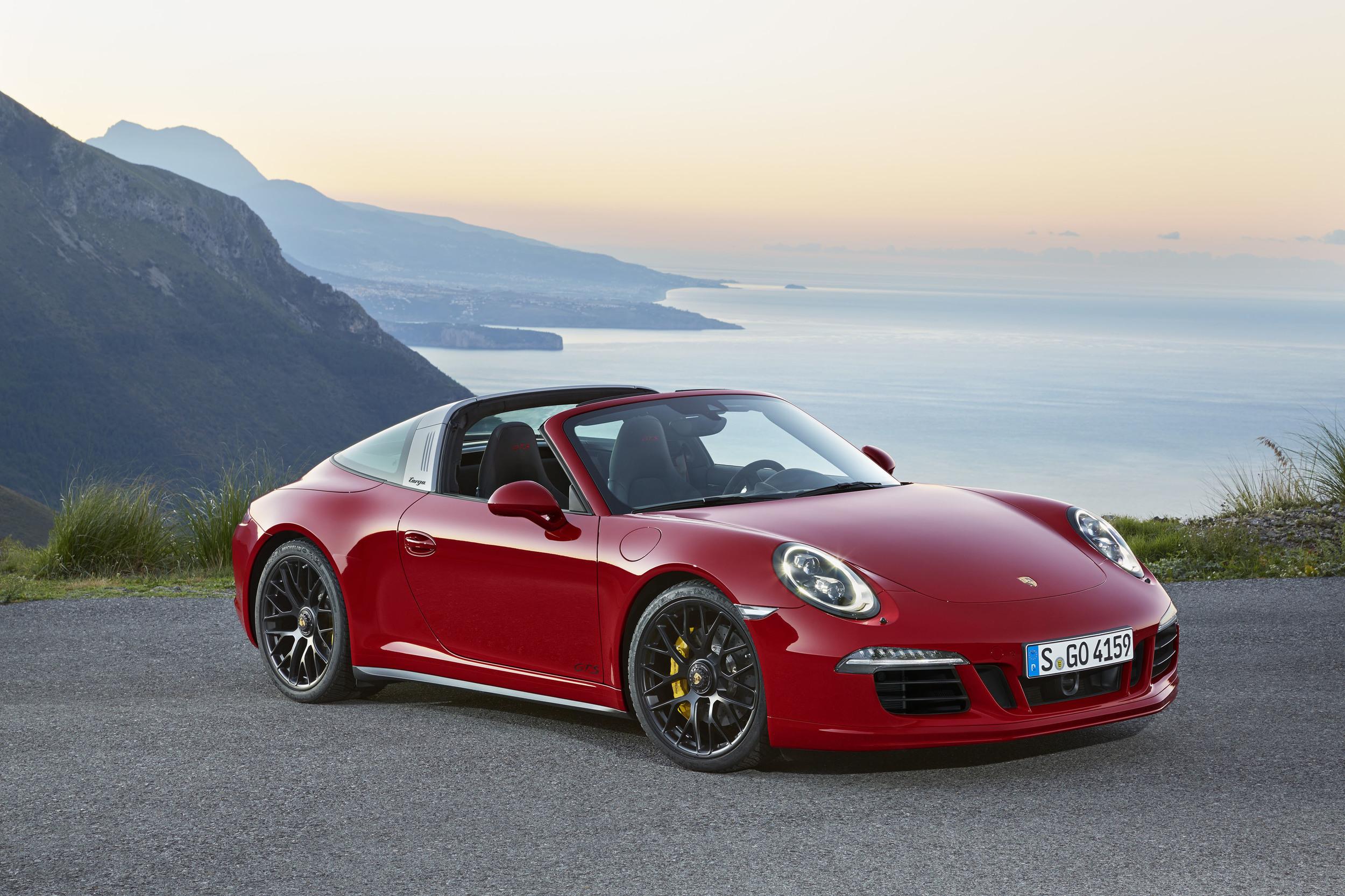 Porsche 911 Targa 4 GTS 2015 02