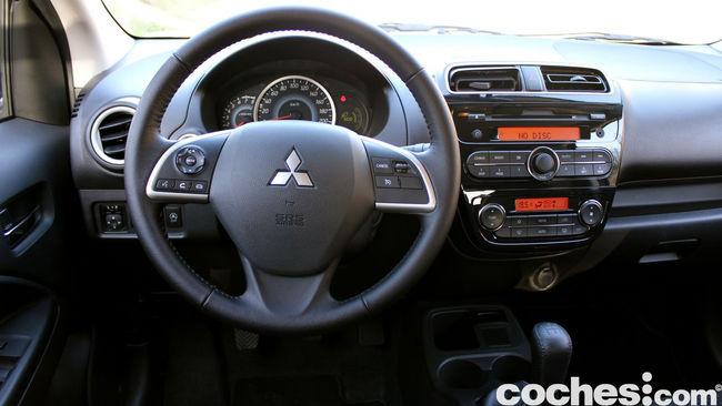 Prueba Mitsubishi Space Star 2014 interior 13