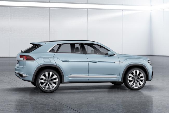 Volkswagen Cross Coupe GTE Concept 2015 09
