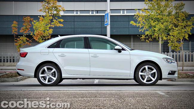 Audi_A3_Sedán_005