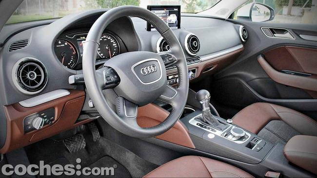 Audi_A3_Sedán_022