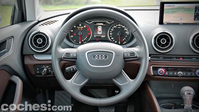 Audi_A3_Sedán_040