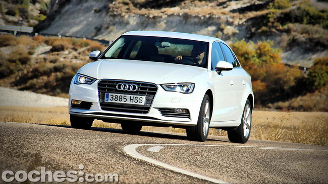Audi_A3_Sedán_079