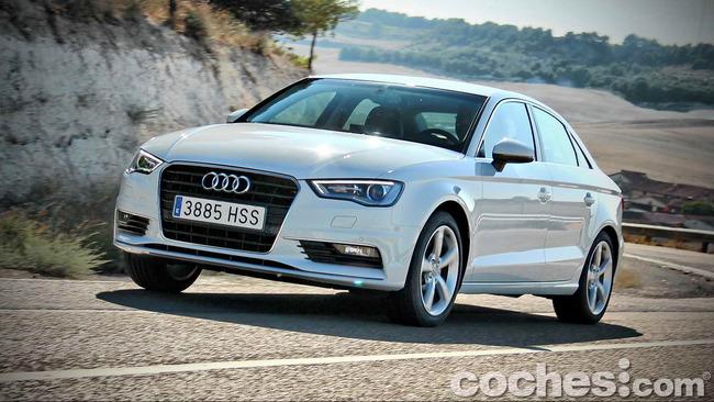 Audi_A3_Sedán_085