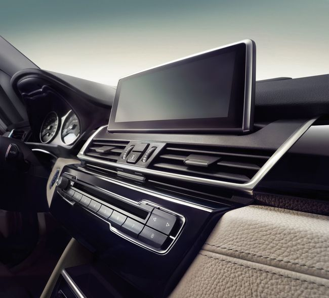 BMW Serie 2 Gran Tourer 2015 interior  01