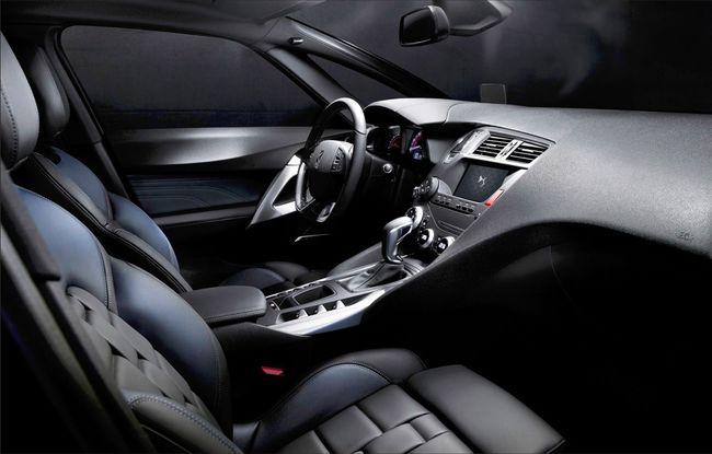 DS 5 2015 interior 01
