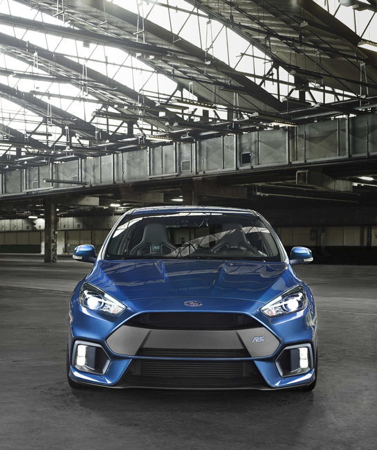 Ford Focus RS 2015 01