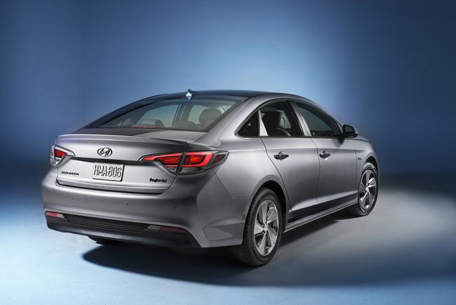 Hyundai Sonata Plug-in Hybrid 2016 05
