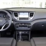 Hyundai Tucson 2015 interior 05