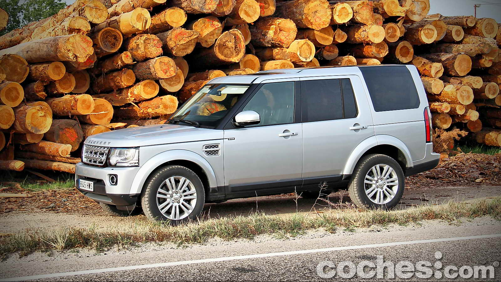 Land_Rover_Discovery_SDV6_HSE_01