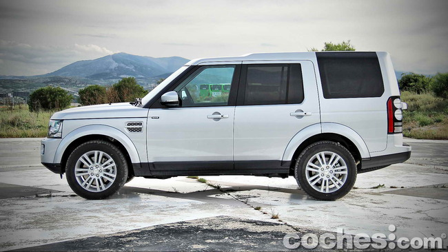 Land_Rover_Discovery_SDV6_HSE_05
