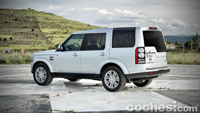 Land_Rover_Discovery_SDV6_HSE_06