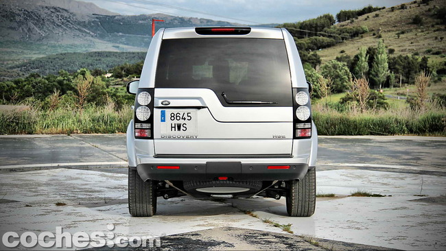 Land_Rover_Discovery_SDV6_HSE_07