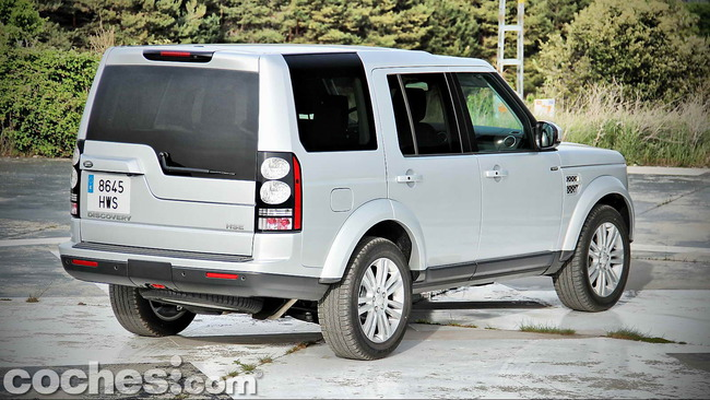 Land_Rover_Discovery_SDV6_HSE_08