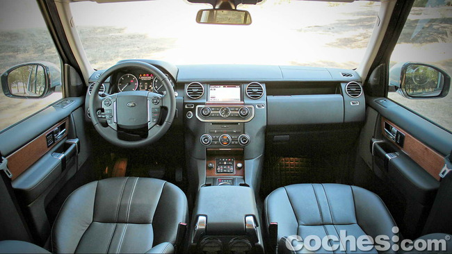 Land_Rover_Discovery_SDV6_HSE_10