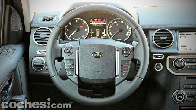 Land_Rover_Discovery_SDV6_HSE_13