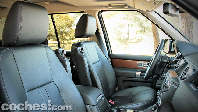 Land_Rover_Discovery_SDV6_HSE_17