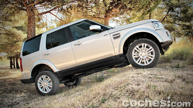 Land_Rover_Discovery_SDV6_HSE_62