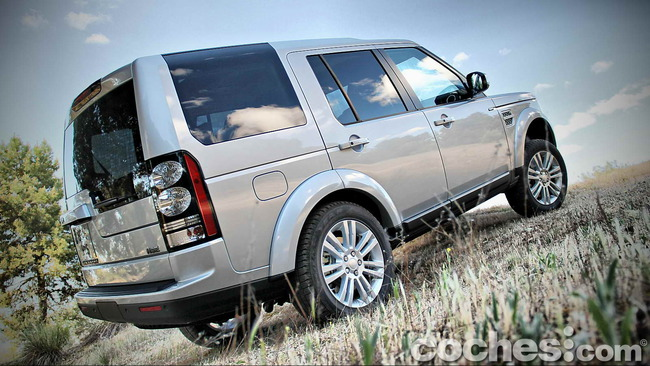 Land_Rover_Discovery_SDV6_HSE_68