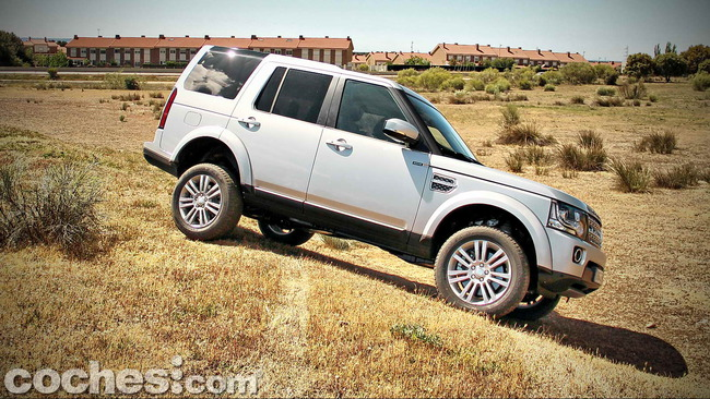 Land_Rover_Discovery_SDV6_HSE_72