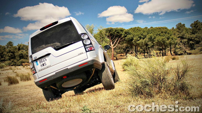 Land_Rover_Discovery_SDV6_HSE_73
