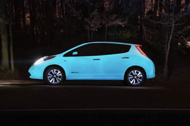Nissan Leaf brilla oscuridad 2105 01