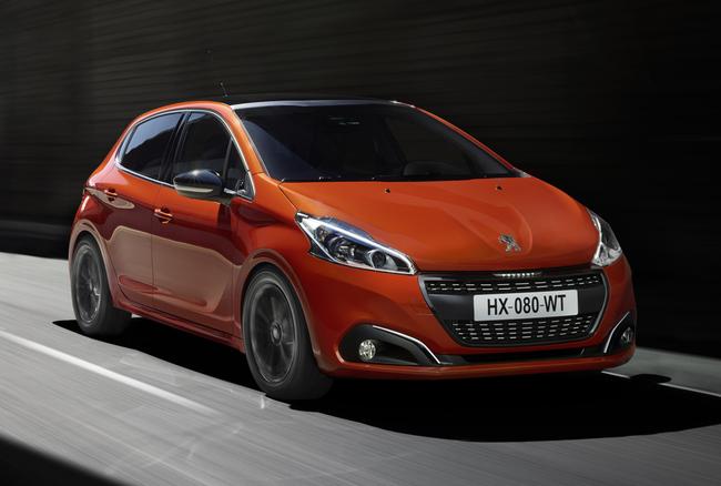 Peugeot 208 2015 03