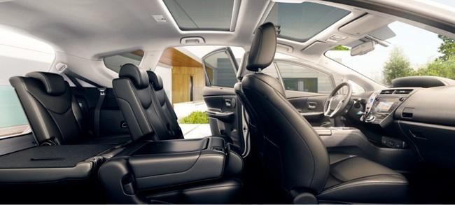 Toyota Prius+ 2015 interior 03