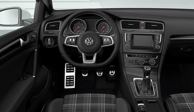 Volkswagen Golf GTD Variant 2015 interior 01