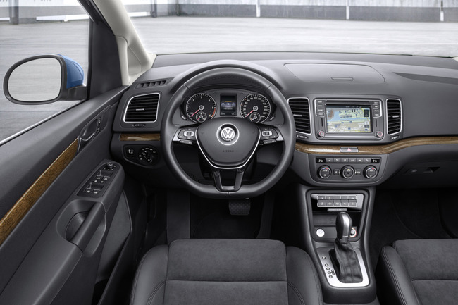 Volkswagen Sharan 2015 interior 01