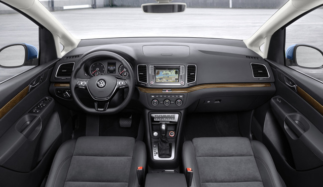 Volkswagen Sharan 2015 interior 02