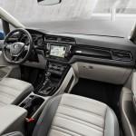 Volkswagen Touran 2015 interior 01
