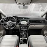 Volkswagen Touran 2015 interior 03