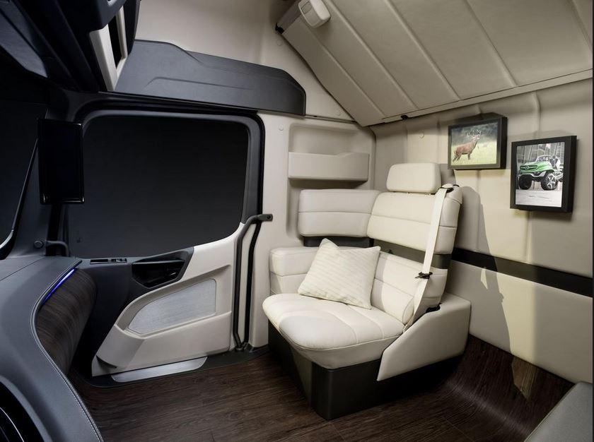 interior Mercedes Benz Truck