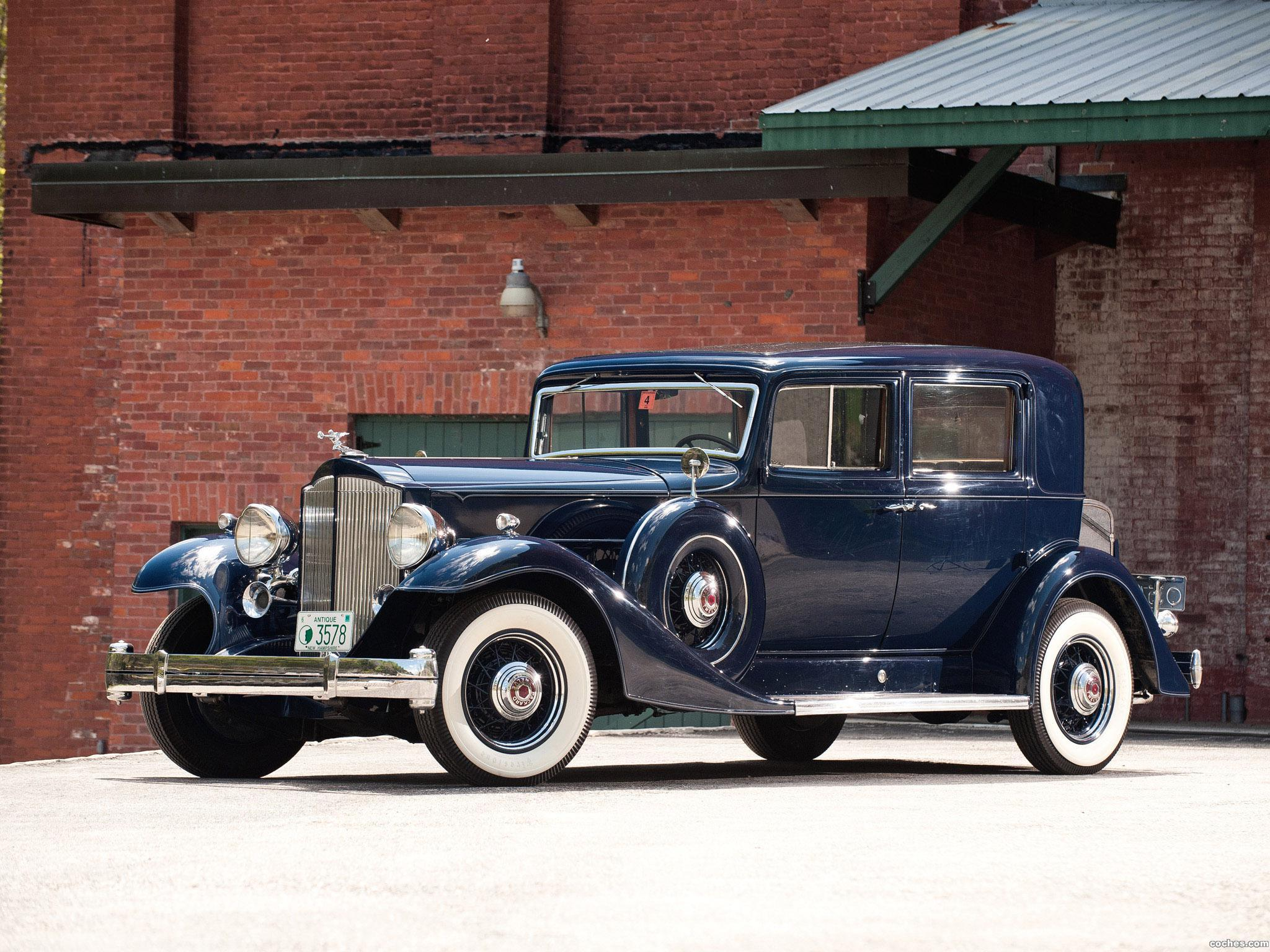 packard_twelve-club-sedan-1933_r6