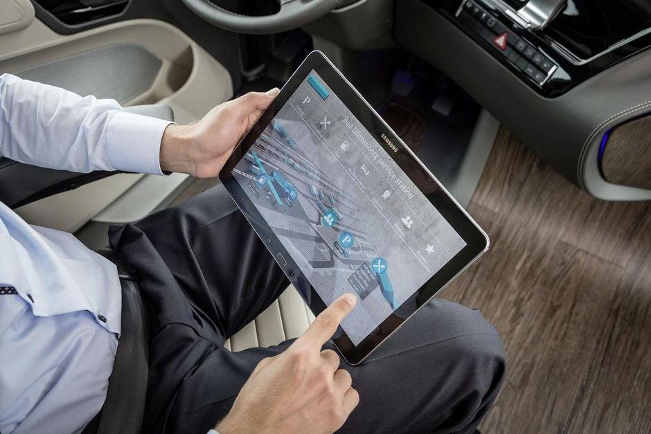 interior Mercedes Benz Truck control informático