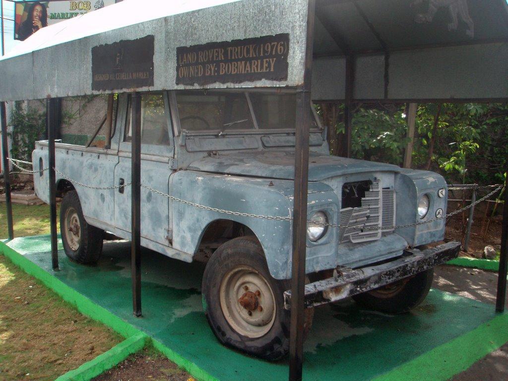 Land_Rover_Bob_MArley