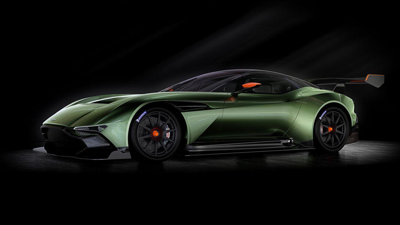 Aston Martin Vulcan 2015 01