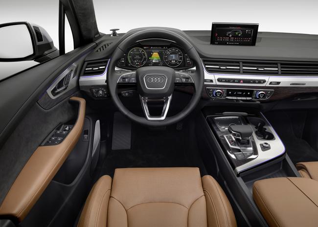 Audi Q7 e-tron 3.0 TDI Quattro 2015 interior 02