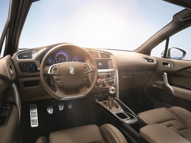 DS 4 2015 interior 04