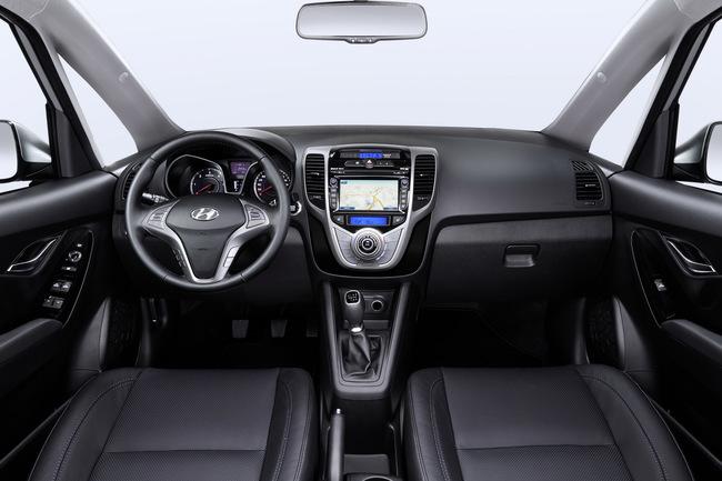 Hyundai ix20 2015 interior 02