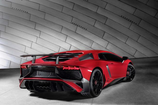 Lamborghini Aventador LP 750-4 Superveloce 2015 03