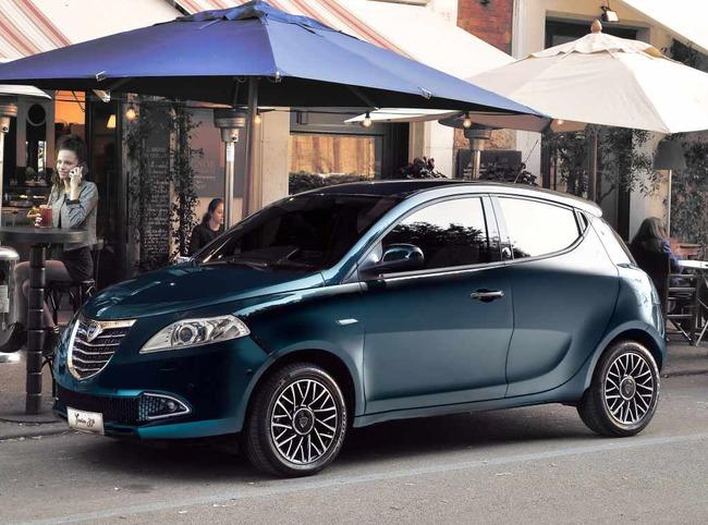 Lancia Ypsilon 30 Aniversario 2015 01