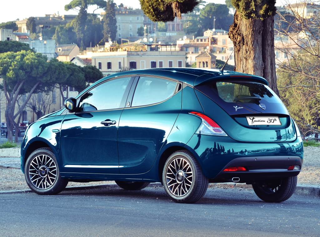 Lancia Ypsilon 30 Aniversario 2015 10
