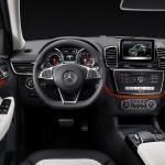Mercedes GLE 2015 interior 07