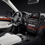 Mercedes GLE 2015 interior 09