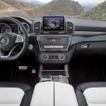 Mercedes GLE 2015 interior 11
